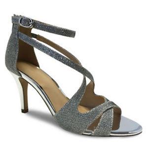 NWT Expression Rayna Glitter Sandals
